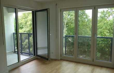 Erstbezug: herrlich ruhige Wohnung mit Balkon, nur ca. 200 m zur S-Bahn