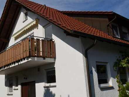 Schöne viereinhalb Zimmer Wohnung in Rems-Murr-Kreis, Berglen
