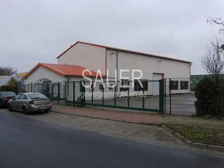 3.200 m² befestigtes Gewerbegrundstück mit Wartungshalle/Waschplatz/Tankstelle