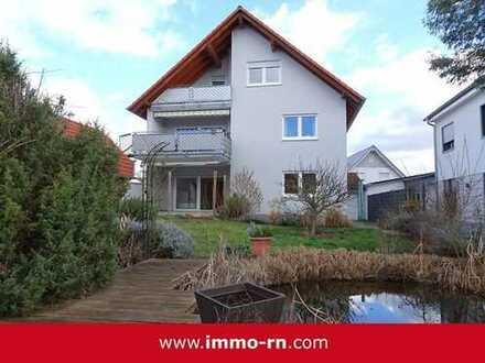 *** Gartenliebhaber aufgepasst: 5 ZKB Maisonettewohnung mit Terrasse, 400qm Garten und Garage ***