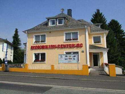 Modern möbliertes Büro-Praxis für 2 Pers. in Bad Camberger Bestlage - Sie bringen Ihren PC und Ih...