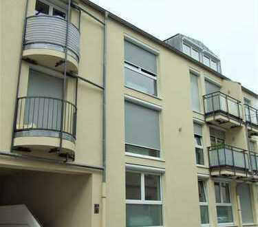 Schöne 3 Zimmer Wohnung mit Garten