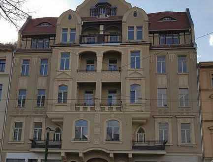 Neu sanierte 3 Zimmerwohnung in denkmalgeschütztem Stadthaus