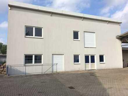 Zweigeschossiges Lagergebäude mit Keller / Umbau als Bürofläche möglich