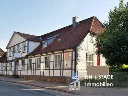 **ANLAGEOBJEKT** in HARSEFELD: Historisches Fachwerkgebäude mit viel Charme und Stil zu verkaufen