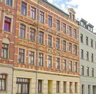 Wohnung mit großzügiger Küche und Balkon zum grünen Innenhof