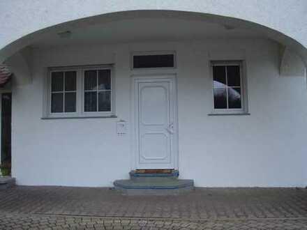 Gepflegte 2-Zimmer-Wohnung mit Terasse und Stellplatz in Enzberg