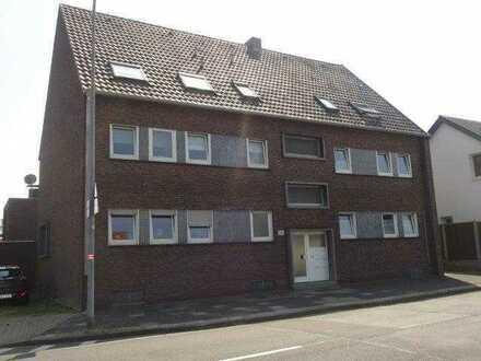 Schöne 3-Zimmer-Dachgeschoß-Wohnung mit großem Balkon in zentraler Lage in Moers