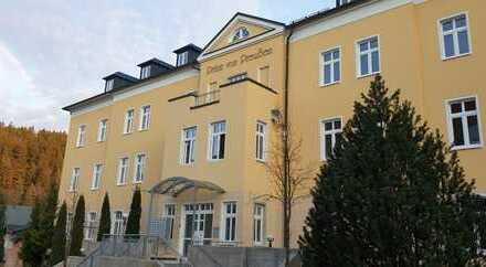 Erstbezug nach Sanierung: ansprechende 3-Zimmer-Wohnung mit Balkon in Bad Elster
