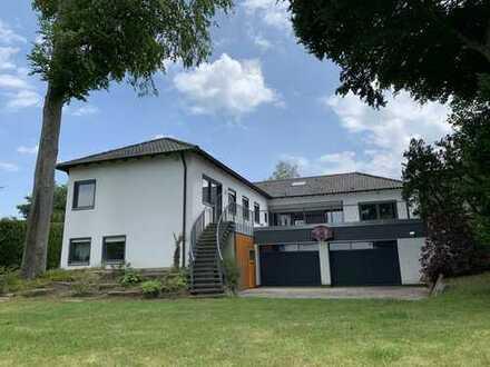 """KNIPFER IMMOBILIEN - Villa in Bestlage von Neusäß """"Am Eichenwald"""" zum Kauf"""