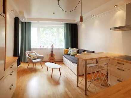**Provisionsfrei** Helle 4-Zimmer Wohnung mit Balkon EBK und TG