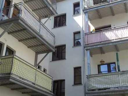 Diese Wohnung wird Ihnen gefallen! 4-R-Dachgeschoß-Wohnung mit Gäste-WC und Abstellraum