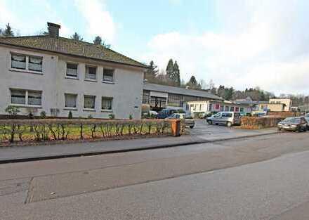 Gewerbehalle mit Erweiterungsmöglichkeit + Zweifamilienhaus in Ennepetal