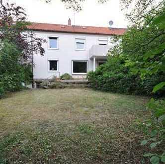 Für Familien in Bothfeld ,tolles 1-2 Familienhaus mit Südausrichtung, 300m zur Both.Kirche