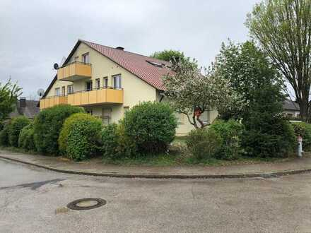 Helle 3- Zimmer-Dachgeschoss-Wohnung mit Balkon