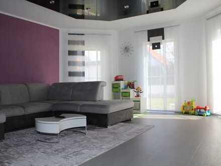Großzügiges Ein- bis Zweifamilien-Wohnhaus als Doppelhaushälfte.