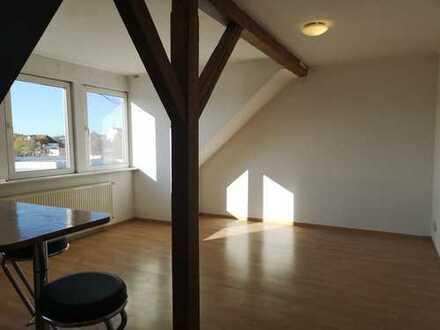 Gemütliche Dachgeschosswohnung zentral aber ruhig gelegen