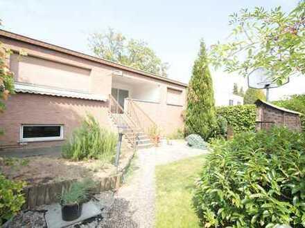 Freistehender Bungalow in Dellbrück mit Garten und Terrasse