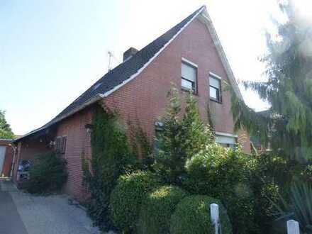 1550D * Einfamilienhaus mit Einliegerwohnung* in Uplengen