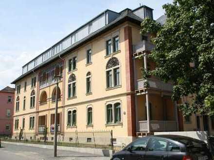 Schicke 3-Raum-Wohnung mit Dachterrasse
