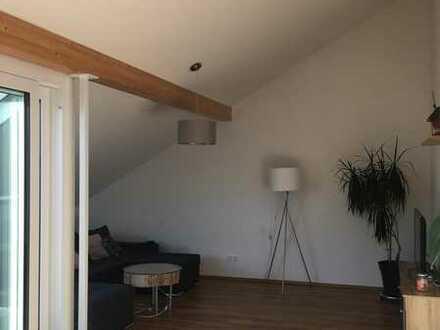 Neuwertige Penthouse-Wohnung mit dreieinhalb Zimmern und Loggia in Laupheim