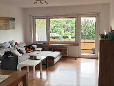 Großzügige 3 Zimmer-Wohnung mit Balkon & Gartenmitbenutzung