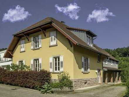 Wohnhaus mit Ausbaupotenzial in stadtnaher Lage