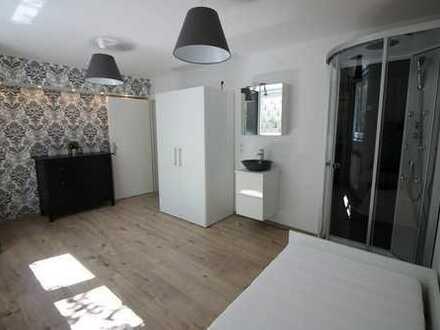 Helles, lichtdurchflutetes und möbliertes 1-Zimmer-Apartment, ideal für Pendler