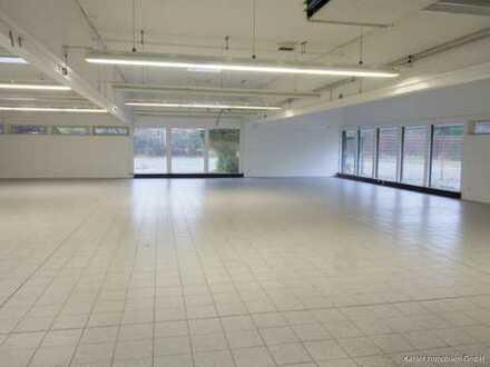 Großzügige Verkaufsfläche nebst Bürofläche in Itzehoe zu vermieten