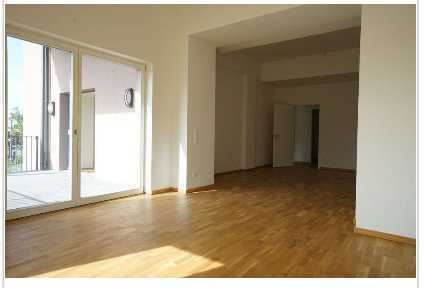 Stilvolle 4-Zimmer-Wohnung mit Balkon und Einbauküche in Leipzig