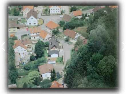 Ein Baugrundstück in guter Lage in Jedesheim , einem Ortsteil von Illertissen / mit Abrisshaus