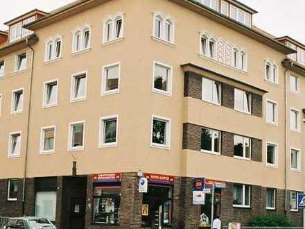 Döhren, Erstbezug nach Sanierung, 2 o. 3 ZKB, Süd-West Balkon, 2. OG, neue Fenster und Türen