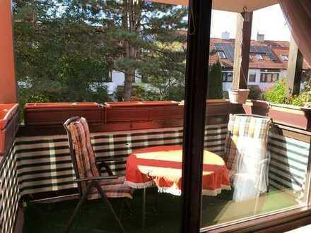 Schöne zwei Zimmer Wohnung in München, Moosach, VOLLMÖBELIERT