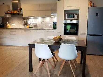 Exklusive, neuwertige 2-Zimmer-EG-Wohnung mit Garten und Einbauküche in Wartenberg