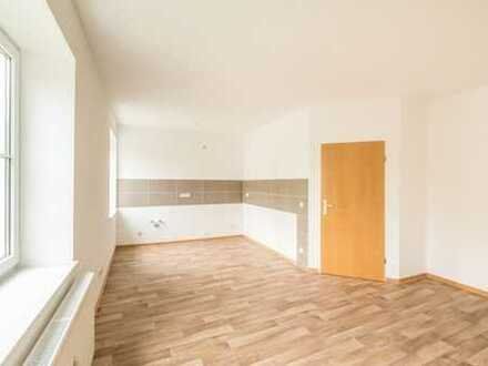 Sofort bezugsfertige und bezahlbare 4-Raum-Altbauwohnung