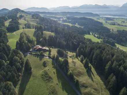Leben in der Natur mit Panoramablick auf die Berge...
