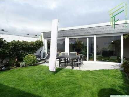 Sonniger Atriumbungalow mit Kamin, Garten und Garage