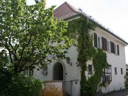 Wunderschönes Einfamilienhaus mit 8 Zimmern und großem Garten auf der Schillerhöhe