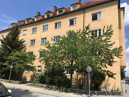 Schnell zugreifen! Langfristig vermietete 3-Zimmer-Wohnung in schönem Altbau in München Laim!
