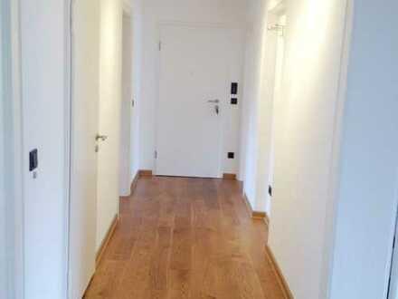 Neuwertige 3-Zimmer-Erdgeschosswohnung mit EBK in Neustadt an der Waldnaab (Kreis)