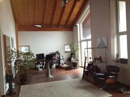 32 qm Großzügiges Zimmer in loftähnlichem Penthouse