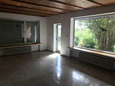 Neuwertige 3-Zimmer-Wohnung mit Garten und Einbauküche in Dreieich-Offenthal!