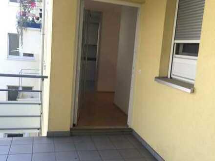 Schöne, geräumige, ruhige und helle Ein- Zimmer Wohnung in Karlsruhe, Südweststadt