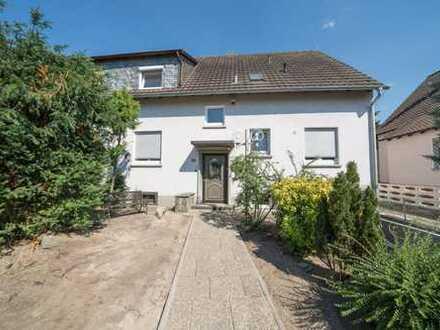 Gemütliche sanierte Doppelhaushälfte mit 2 Wohnungen im Buchenbusch
