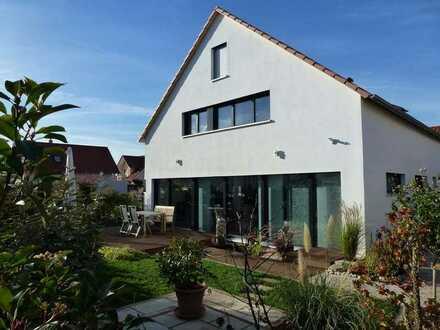 Massives Höll - KFW 55 Effizienzhaus mit 5 Zimmer, KP inkl. Grundstück in Süd/Westlage mit Garage
