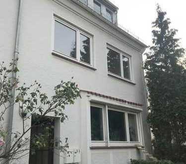 Gutgeschnitte 2-Zimmer-Wohnung in ruhiger Seitenstraße in Walle