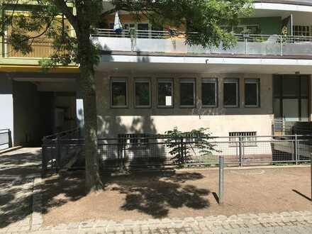 Großzügige 3,5 Zimmer Stadt-Wohnung, gegenüber vom Stadtpark
