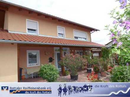 Wunderschönes Einfamilienhaus mit großzügigem und idyllischem Grundstück! Besonderer Einblick