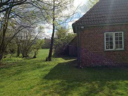 Besonders großzügige und traumhaft schöne 4,5 Zimmer-Maisonette-Wohnung mit großem Garten!