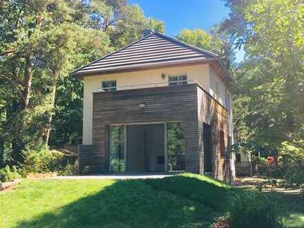 Freistehendes Einfamilienhaus mit großem Garten in Kleinmachnow